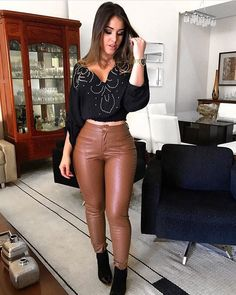 Cutie in high waisted Vintage brown Leather Pants Brown Leather Pants, Leather Pants Outfit, Hot Outfits, Fashion Outfits, Womens Fashion, Brunette Models, Pants For Women, Clothes For Women, Leggings Are Not Pants
