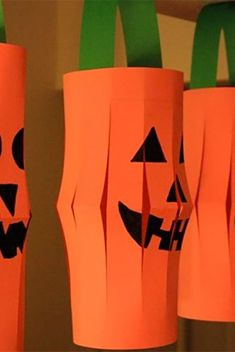 Halloween Arts And Crafts, Halloween Crafts For Toddlers, Easy Halloween Decorations, Halloween Activities, Fun Crafts For Kids, Family Halloween, Toddler Crafts, Halloween Fun, Family Crafts