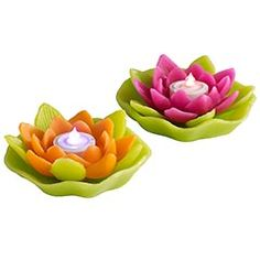 I really want these for in the pool. Floating flameless candles