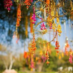 We've put together 7 crazy easy to do hanging Mehndi Decor Ideas that you can use for a kick ass mehendi party. Desi Wedding Decor, Wedding Stage Decorations, Diwali Decorations, Festival Decorations, Wedding Themes, Flower Decorations, Wedding Ideas, Diy Wedding, Wedding Favors