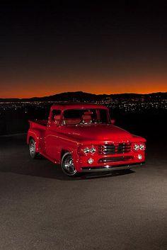Don Kerns' 1958 Dodge D-100 pickup / http://www.loveonlinetoday.com/don-kerns-1958-dodge-d-100-pickup/