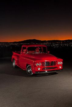 Don Kerns' 1958 Dodge D-100 pickup / http://www.loveonlinetoday.com/don-kerns-1958-dodge-d-100-pickup/
