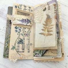 29 ideas travel journal ideas diy smash book mini albums for 2019 Travel Journal Pages, Art Journal Pages, Art Journals, Handmade Journals, Handmade Books, Altered Books, Altered Art, Frame Instagram, Books Art