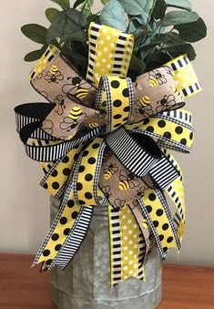 Bumble Bee Wreath Bow, Honey Bee Décor, Lantern Bow, Bumble Bee Décor, Front Door Décor, Summer Home Decor, Bumble Bee Bow, Honey Bee Bow by PineyPorch on Etsy
