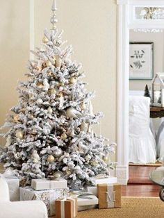 flocked christmas tree decorating ideas tree via peeking thru the sunflowers blog
