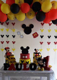 Mickey Mouse Birthday Decorations, Theme Mickey, Mickey Mouse Parties, Mickey Party, Mickey 1st Birthdays, Fiesta Mickey Mouse, Mickey Mouse Clubhouse Birthday, Mickey Birthday, Baby