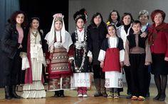 Το Λύκειο Ελληνίδων Βέροιας παρουσίασε σε σχολείο την παραδοσιακή φορεσιά της Βέροιας