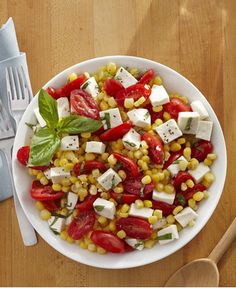 Fresh Corn, Tomato and Mozzarella Salad http://wm13.walmart.com/Cook/Recipes/94299/     ~XOX #MomAndSonCookingTeam ♡♡