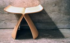 butterfly stool by yanagi