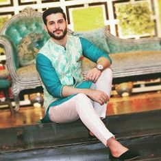 Updated New Traditional Mehndi Suits for Men For Yr 19 Ideas Wedding Kurta For Men, Wedding Dresses Men Indian, Wedding Dress Men, Wedding Men, Wedding Suits, Waistcoat Men Wedding, Mens Wedding Wear Indian, Pakistani Dresses, Wedding Couples
