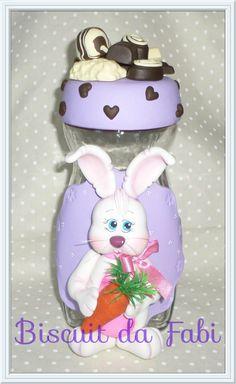 Pote (reciclável) com coelho