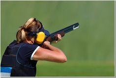 Women's trap shooting / Clay pigeon shooting