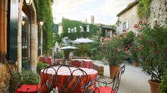 La Treille Muscate - Hôtel Restaurant,F-26 270 Cliousclat. Tél. : +33(0) 4 75 63 13 10. www.hotelrestaurant-latreillemuscate.com. Gute Alternative zum Margot in Mirmande. Ein wenig teurer, ein bisschen chic, aber sehr schön.