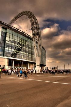 Wembley stadium - Olympic semi- final and final- Mexico beat Brazil. Soccer Stadium, Football Stadiums, England Uk, London England, Stadium Architecture, Electrician Services, Wembley Stadium, Glass Facades, Norman Foster