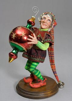 Jingle One of a kind art doll by Marianne Reitsma and Martha Boers *from their three-fingered, Fantasy Gnome series Noel Christmas, Christmas Crafts, Christmas Decorations, Christmas Ornaments, Santa Doll, Kobold, Elves And Fairies, Theme Noel, Polymer Clay Dolls