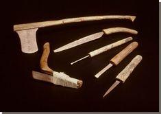 Timmermansgereedschap uit de tijd van Thoetmoses III, Rijksmuseum van Oudheden Leiden