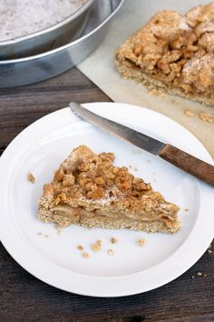Hmmmm looks like another good recipe to try...Passover apple and cinnamon pie, kosher le Pesach