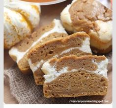 The Recipe Critic's skinny pumpkin cream cheese bread uses applesauce and wheat bread for a healthier take on that addictive pumpkin bread. Source: The Recipe Critic Healthy Desserts, Just Desserts, Delicious Desserts, Dessert Recipes, Yummy Food, Healthy Food, Healthy Recipes, Pumpkin Cream Cheese Bread, Pumpkin Bread