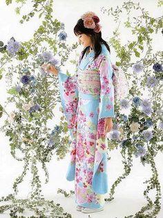 Furisode Kimono Furisode Kimono, Yukata, Kimono Japan, Japanese Kimono, Turning Japanese, Kimono Top, Kimono Style, Asian Design, Flowers For You