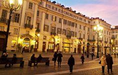Piazza Carignano, che si trova subito dietro Piazza Castello, è una delle storiche e più importanti piazze del capoluogo piemontese. Risalente al periodo di espansione della città di Torino voluta da …
