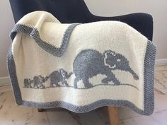 Elephant family blanket, pattern, baby blanket knit, crib bedding, bassinet b. Kids Blankets, Knitted Baby Blankets, Baby Blanket Crochet, Crochet Baby, Crochet Gifts, Intarsia Knitting, Baby Knitting, Knitting Ideas, Baby Patterns
