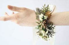 This Rustic corsage, Wedding wrist wrap, Woodland wedding corsage, bridesmaid wrist wrap, is just the perfect addition for a beautiful bridesmaid or bridal look. It is a natural composition that can become a keepsake, perfect for a natural rustic winter wedding. This is a listing