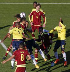 Venezuela wins over Colombia. Chile 2015 junte 14