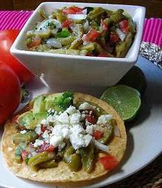 Ensalada de nopales - Yes that's right, cactus! I love this stuff! Recipe is in Spanish