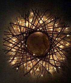 Risukranssi valoilla Koti, Crafty, Mirror, Christmas, Home Decor, Xmas, Decoration Home, Room Decor, Mirrors