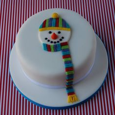 Snowman cake x Christmas Cake Designs, Christmas Cake Decorations, Christmas Cupcakes, Christmas Sweets, Christmas Cooking, Holiday Cakes, Christmas Goodies, Simple Christmas, Xmas Cakes