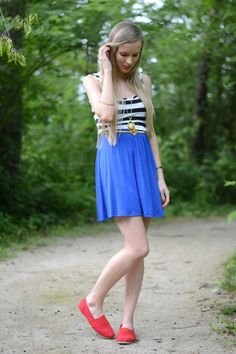 #Blogger Lacy Rose shows off her patriotic style in this Deb Shops ensemble!