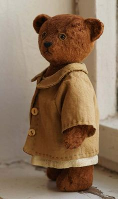 Vintage Teddy Bear, Brown and Tan Old Teddy Bears, Antique Teddy Bears, My Teddy Bear, Boyds Bears, Antique Toys, Vintage Toys, Teddy Bear Clothes, Love Bear, Bear Doll
