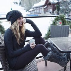 44 Stylish Snow Outfit Ideas to Copy Right Now Fall Winter Outfits, Autumn Winter Fashion, Summer Outfits, Casual Outfits, Ski Outfits, Winter Clothes, Snow Outfits For Women, Snow Clothes, Beach Clothes