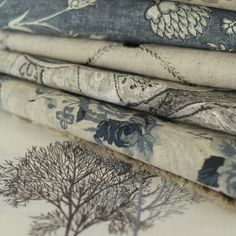 I love Biggie Best fabrics and furniture! Farmhouse Fabric, French Farmhouse, Neutral Bed Linen, Linen Duvet, Linens And Lace, Cotton Blankets, Quilt Bedding, Soft Furnishings, Home Decor Inspiration