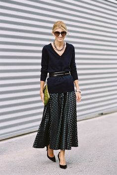 via Vanessa Jackman Fashion Week Paris, Work Fashion, Trendy Fashion, Spring Fashion, Autumn Fashion, Skirt Fashion, Vanessa Jackman, Looks Style, My Style