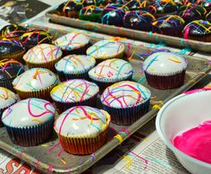 Sweet Morris: Paint Splatter Cupcakes