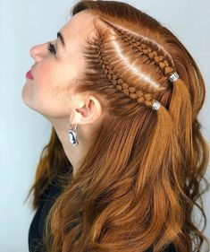 Loving these Dutch accent braids - My list of womens hair styles Quick Hairstyles For School, Everyday Hairstyles, Summer Hairstyles, Pretty Hairstyles, Braided Hairstyles, Girl Hairstyles, Hairstyles Videos, Updo Hairstyle, Medium Hair Styles
