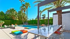 Leff/Florsheim House Palm Springs,CA. Modern Landscaping, Pool Landscaping, Modern Exterior, Exterior Design, Mid Century Exterior, Palm Springs Style, Jacuzzi Outdoor, Shade Structure, Outdoor Spaces