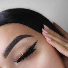 Try The Glitter Eyeliner This Summer Like Athiya Shetty Makeup Goals, Makeup Inspo, Makeup Art, Makeup Inspiration, Makeup Tips, Hair Makeup, Blue Makeup, Makeup Ideas, Double Eyeliner
