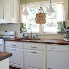 Fresh Home reader Vanessa re-did her kitchen for only $1,500. See the awesome before-and-after!