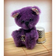 Pastille 5cm - unoursdansmamaison.com Creations, Teddy Bear, Toys, Animals, Group Of Friends, Animaux, Animales, Games, Dieren