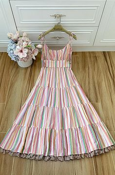 Frock Fashion, Fashion Sewing, Fashion Dresses, Stylish Dresses For Girls, Casual Dresses, Indian Designer Outfits, Designer Dresses, Simple Frocks, African Dresses For Kids