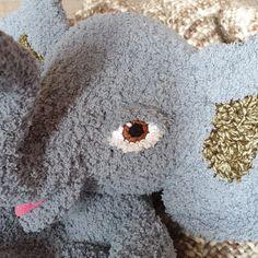 Patroon basis oogjes – by Dayze Crochet Eyes, Crochet Dolls, Crochet Stitches Patterns, Stitch Patterns, Stuffed Animal Patterns, Doll Face, Teddy Bear, Crafts, Animals
