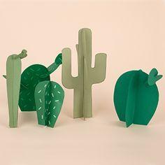 DIY : un cactus en carton Cowboy Birthday, Cowboy Party, Anniversaire Cow-boy, Cactus Craft, Cactus Cactus, Papier Diy, 3d Figures, Western Parties, Diy Holz