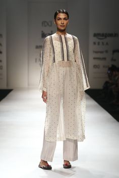 Ikai by Ragini Ahuja - Amazon India Fashion Week SS 18 - 5 Fashion Week 2018, Lakme Fashion Week, Modest Fashion, Fashion Outfits, Dress Over Pants, Indian Bridal Fashion, Kurta Designs, Indian Designer Wear, Fashion Branding
