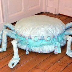 Pouf enfant, pouf crabe, déco chambre, coussin de sol,modèle unique sur commande