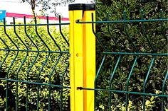 galvanized welded wire mesh fence use high quality low carbon steel wire and welded by computer controlled machine.Welded point have high tensile strength.