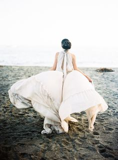 Natural Wedding Inspiration by the Sea | Photos by Jen Wojcik