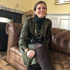 De Marquet - Raffaella Iten Metzger : Styling for the festive season. Wearing an emerald and green look. Day For Night, Leather Skirt, Emerald, Festive, Good Things, Green, How To Wear, Bags, Instagram