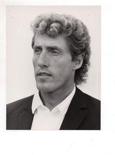 Roger Daltrey The Who Pinball Wizard, Roger Daltrey, Lady And Gentlemen, Classic Rock, The Rock, Rock Bands, Music Artists, Ears, Singer